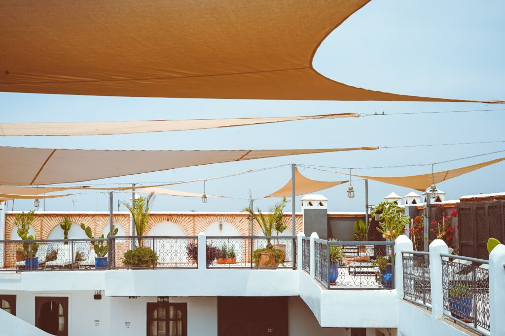 Rooftop terrace of the Rodamón Hostel in Marrakech